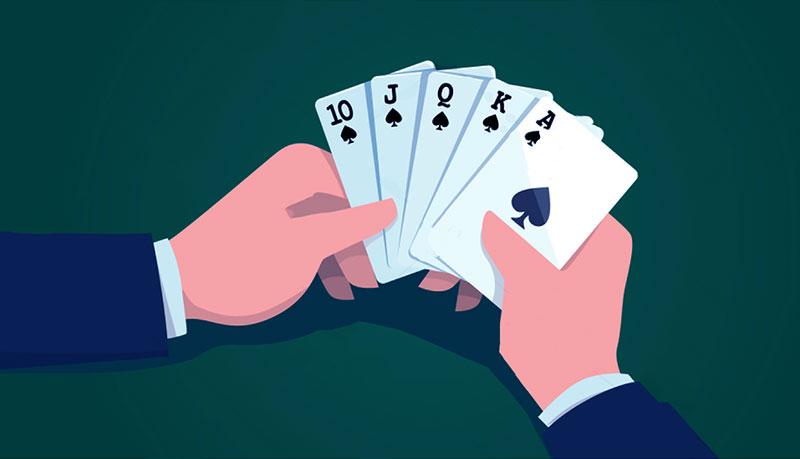 Сильная комбинация карт (роял флэш) на ривере в покере