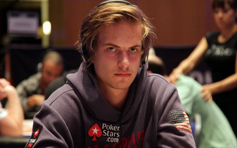 Игрок в покер Виктор Блом (Viktor Blom).